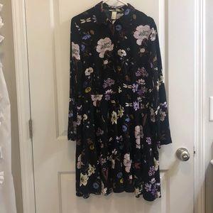 H&M Collared Black Pattern Dress